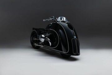 BMW Motorrad - Spirit of Passion - Kingston Custom [front right angle studio]