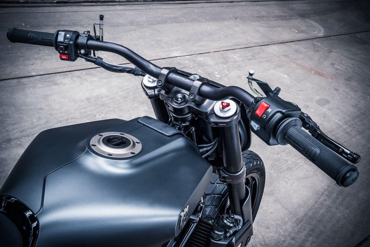 Svartpilen 701 Concept Handlebars Detail