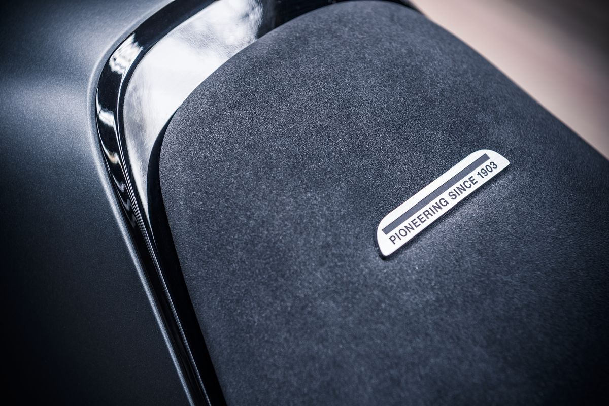 Svartpilen 701 Concept Seat Detail