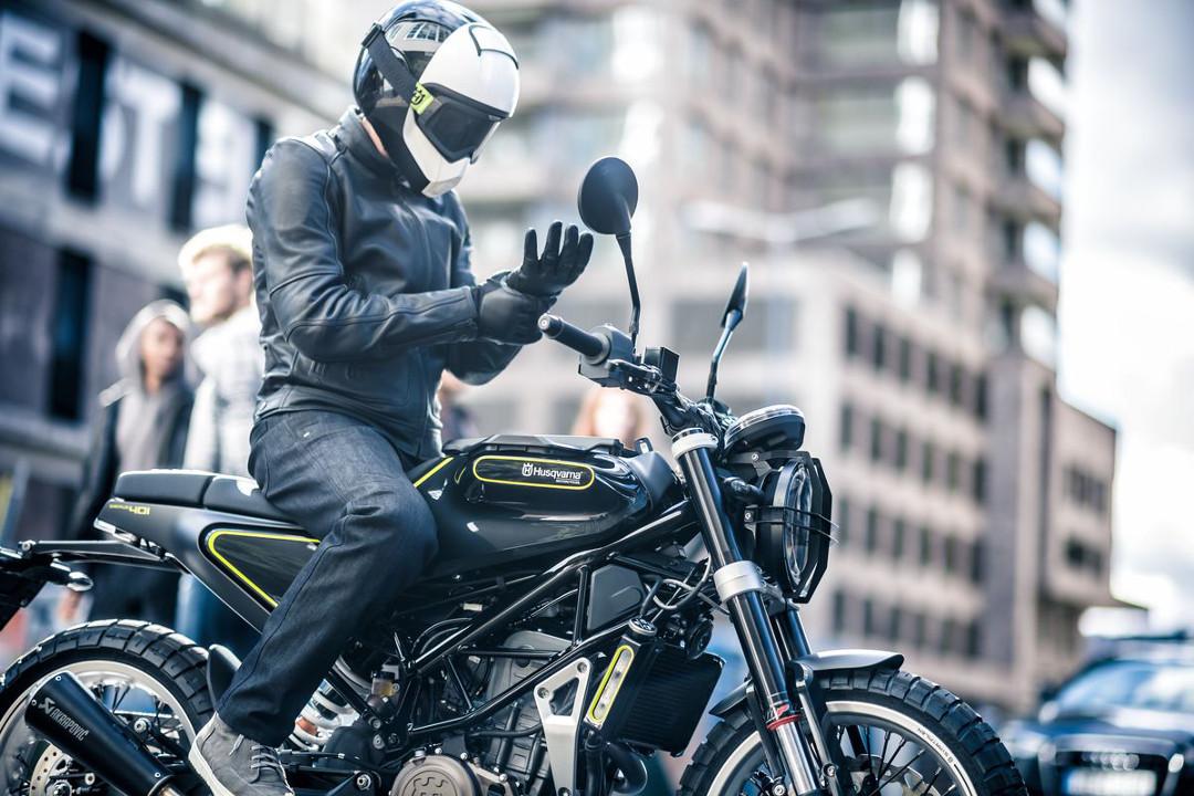 PILEN MOTORCYCLE HELMET HUSQVARNA Vitpilen Svartpilen Clothing Collection 2018