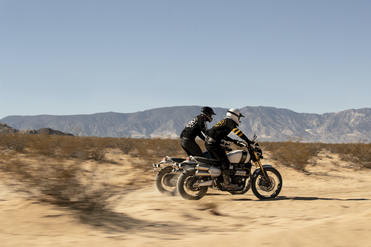 Two Riders in the desert on the Triumph Scrambler 1200 XE