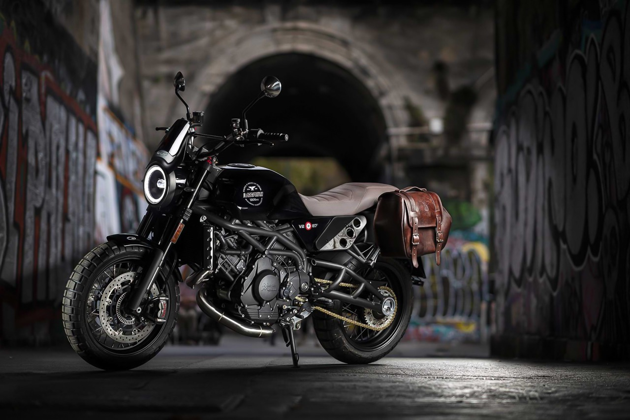 Moto Morini Super Scrambler with panniers saddle bag