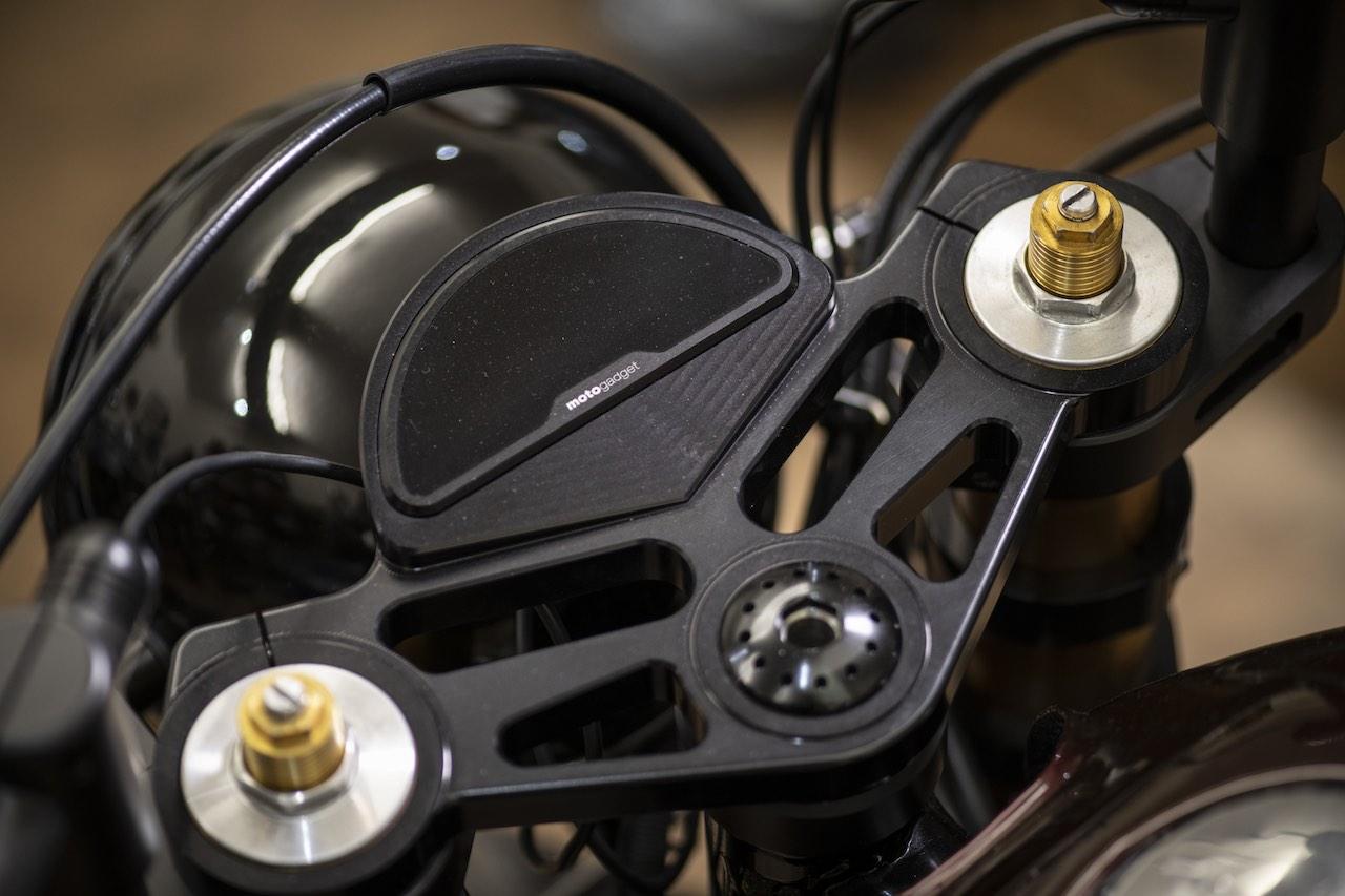 Motogagdet M.ride clock in a custom Fastec mount CB750 Custom